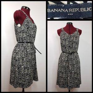 banana republic woman sleeveless dress size small
